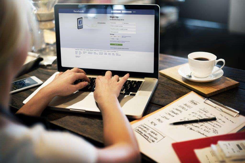 5 questions à Lucille, experte en référencement web