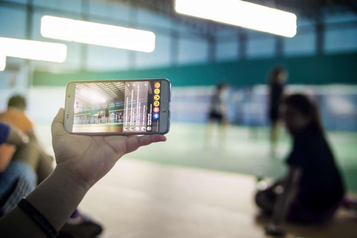 « Periscope, Facebook Live… Le « live » sur les réseaux sociaux : j'y vais ou pas ? »